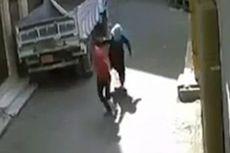 Perempuan Mesir Hajar Pria yang Melecehkannya di Jalanan