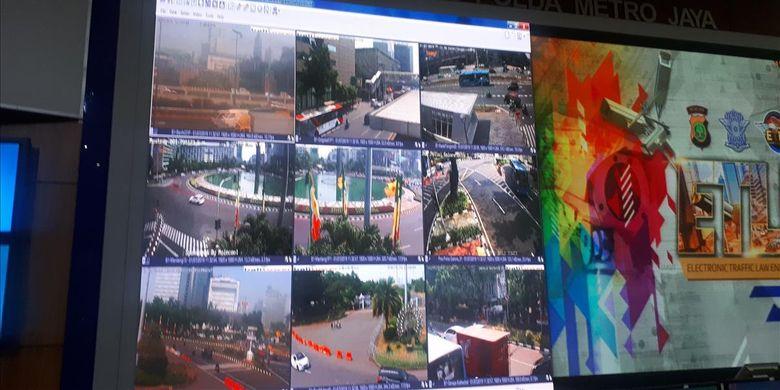 Uji coba sistemtilang elektronikatauelectronic traffic law enforcement(ETLE) dengan penambahan empat fitur terbaru mulai diberlakukan pada Senin (1/7/2019) ini di 10 titik di ruas Jalan Jenderal Sudirman dan MH Thamrin.
