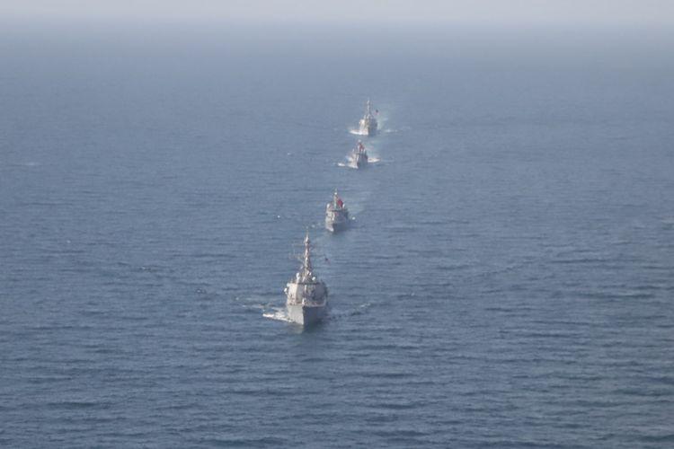 Kapal milik Angkatan Laut Amerika Serikat (AS) dan Angkatan Laut Turki menggelar latihan gabungan di Laut Hitam pada Kamis (11/2/2021).