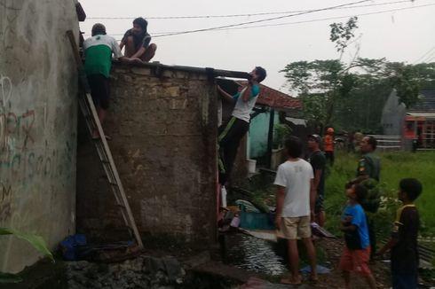 Angin Puting Beliung Hancurkan Puluhan Rumah di Bogor