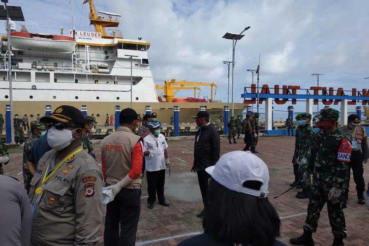 PT Pelayaran Nasional Indonesia atau PT Pelni (Persero) berencana untuk melakukan portstay terhadap KM Kelud saat tiba di Pelabuhan Belawan, Medan pasca satu orang cruew terpapar corona dan 39 cruew ODP
