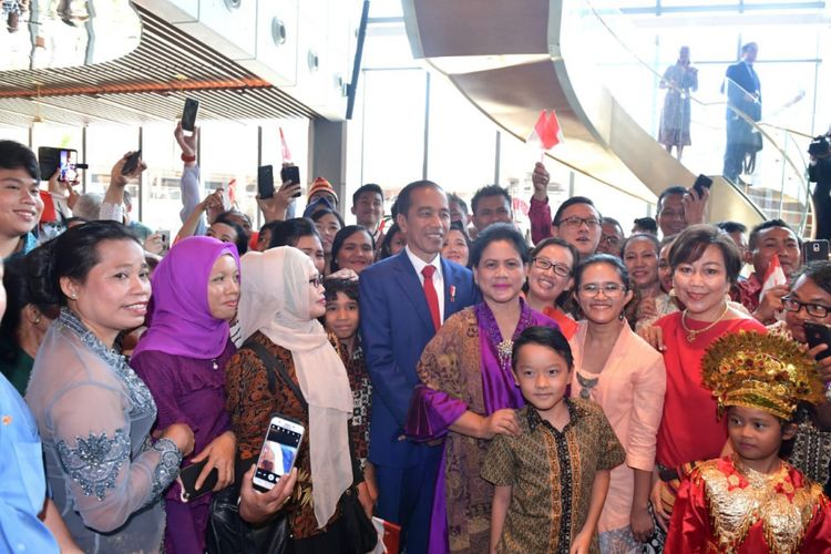 Presiden Joko Widodo dan Iriana Widodo saat mengunjungi Papua Nugini, Sabtu (17/11/2018).