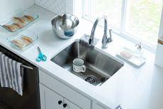 Tips Membersihkan Wastafel Dapur dengan Bahan Alami