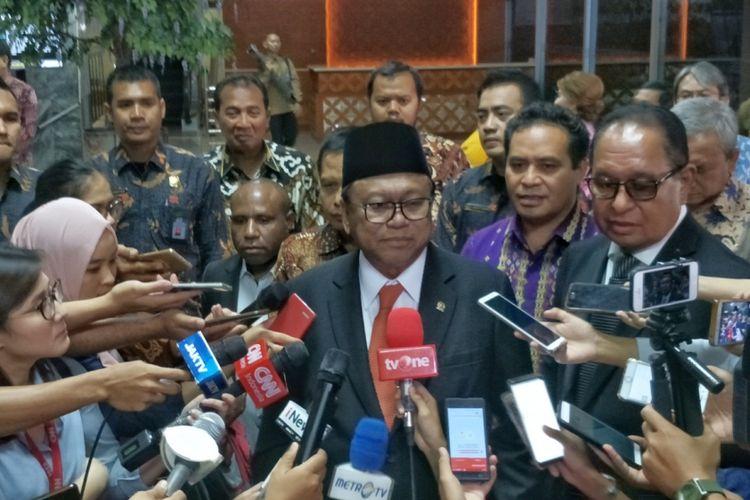 Ketua Dewan Perwakilan Daerah (DPD) Oesman Sapta Odang di Kompleks Parlemen, Senayan, Jakarta, Senin (1/10/2018).