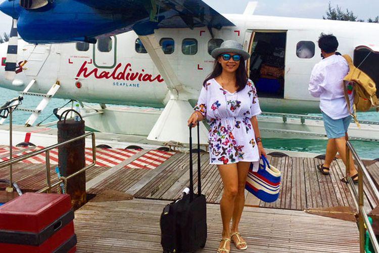 Terbang menggunakan pesawat amfibi (seaplane) Maldivian Airline menuju Niyama Private Islands di Maladewa.