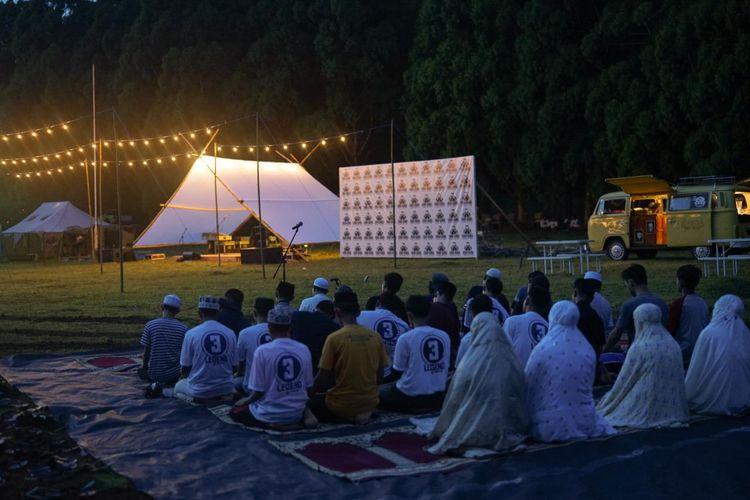 Doa bersama yang dilakukan relawan Zairullah Azhar-Muhammad Rusli beberapa waktu lalu.