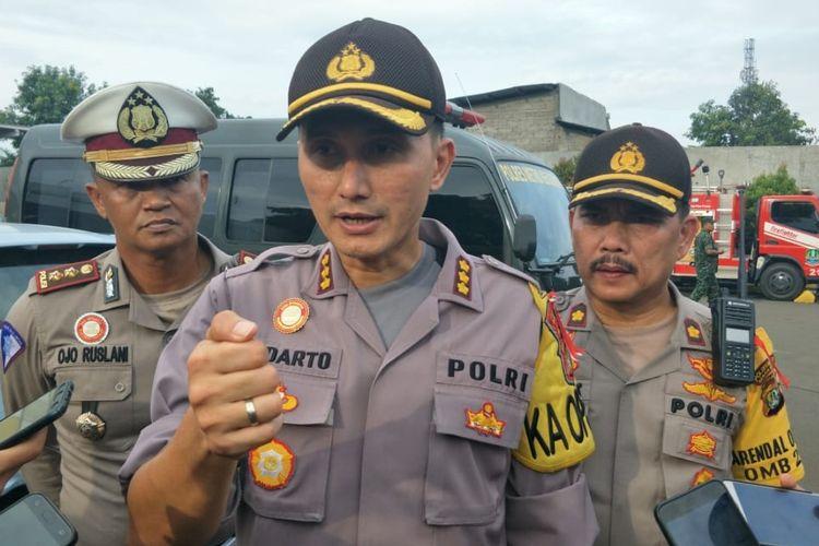 Kapolres Metro Bekasi Kota, Kombes Indarto kepada awak media di Gudang Logistik KPU Kota Bekasi, Selasa (23/4/2019).