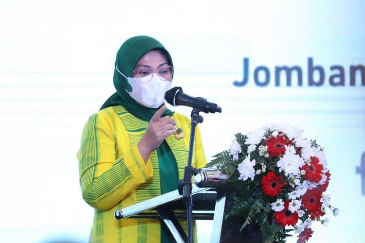 Menteri Ketenagakerjaan (Menaker) Ida Fauziyah saat memberikan sambutan dalam acara Sosialisasi Program Pelatihan Vokasi dan Pemagangan di Jombang, Jawa Timur, Minggu (8/11/2020).