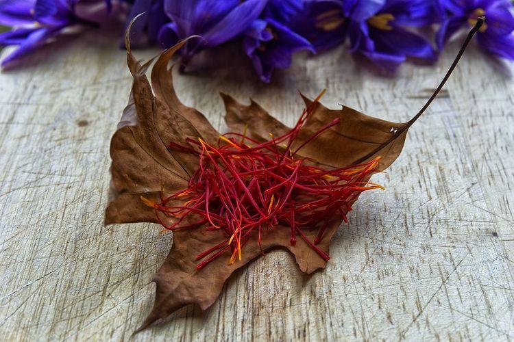 Helaian saffron, rempah termahal di dunia.