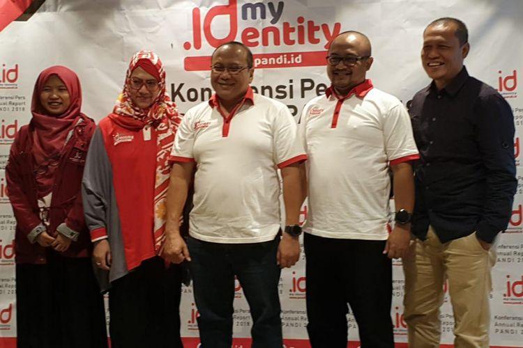 Jajaran pengurus PANDI. Dari kiri ke kanan: Dirut Layanan Pemasaran dan Komunikasi Tinuk Andriyanti Asianto, CEO PANDI Andi Budimansyah, CTO PANDI M.S Manggalanny, dan Dewan Eksekutif PANDI Sapto Nugroho.