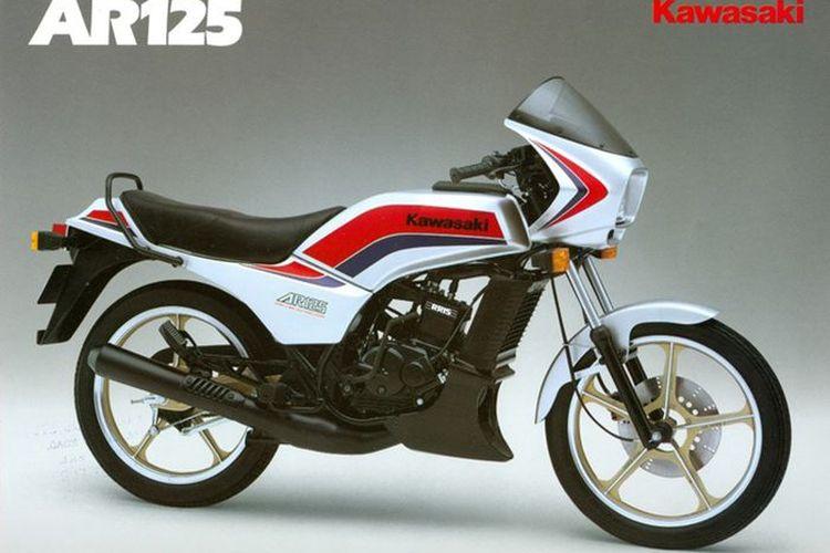Kawasaki AR125, kompetitor terdekat Yamaha RX-King pada masanya