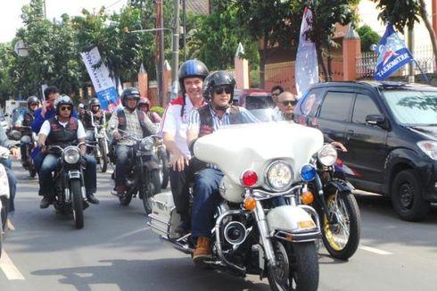 Gita Naik Motor Harley Davidson ke Lokasi Debat Konvensi