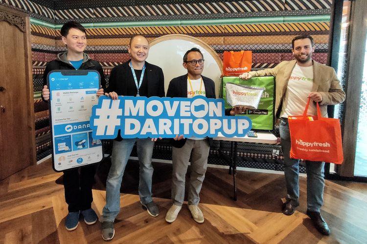 Dari kiri ke kanan:  Vincent Iswara (CEO DANA), Darrick Rochili (Chief Innovation Officer (CIO) DANA), Fajar Budiprasetyo, (CTO dan salah satu Co-Founder HappyFresh Group), Filippo Candrini (Managing Director HappyFresh Indonesia)