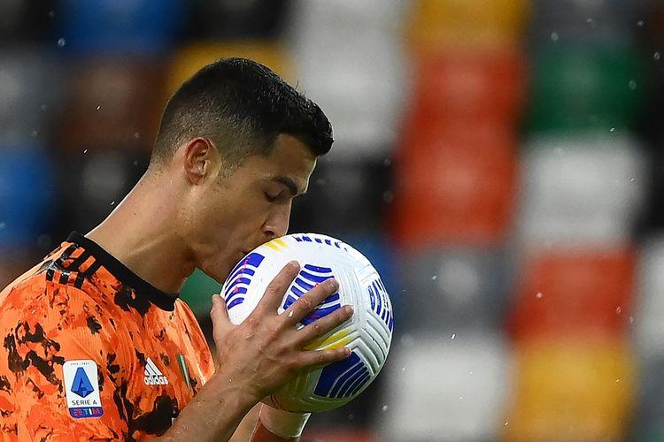 Penyerang Juventus, Cristiano Ronaldo, pada laga kontra Udinese, Minggu (2/5/2021) malam WIB.