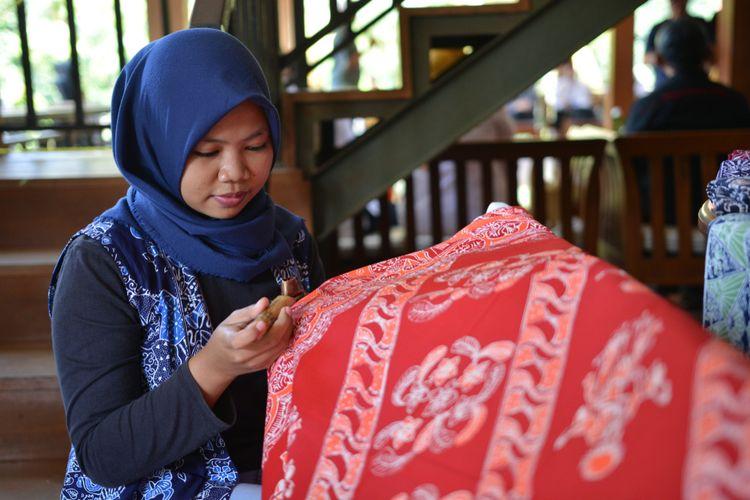 Ilustrasi batik Betawi.