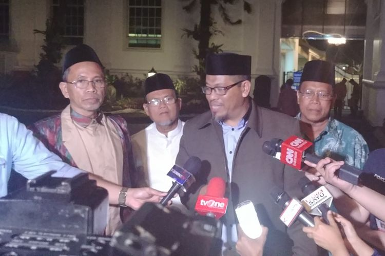 Para ulama dari Sulawesi usai bertemu Presiden Jokowi di Istana Merdeka, Selasa (18/7/2017).