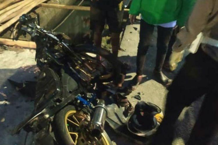 Motor yang terlibat kecelakaan di Jalan Kapuk Raya, Cengkareng, Jakarta Barat, pada Selasa (15/6/2021).