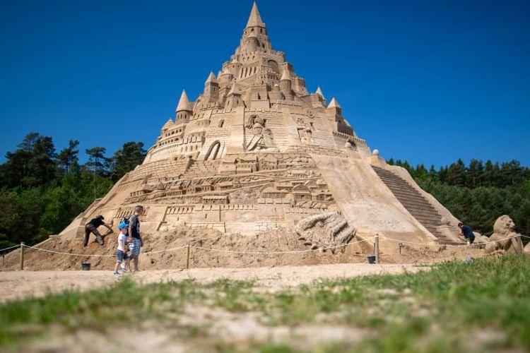 Istana pasir tertinggi yang pernah di buat, lokasinya di Jerman.