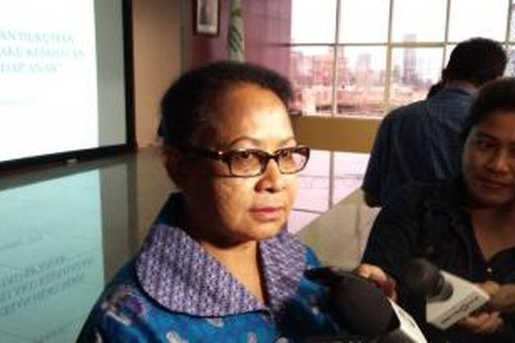 Menteri Pemberdayaan Perempuan dan Perlindungan Anak Yohana Susana Yembise di Kantor Kementerian PP dan PA, Jakarta Pusat, Senin (2/11/2015).