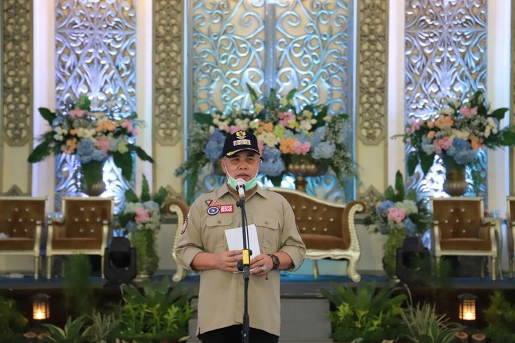 Bupati Kebumen KH Yazid Mahfudz menghadiri simulasi resepsi pernikahan di Gedung Pertemuan Setda Kebumen, Jawa Tengah, Minggu (28/6/2920).