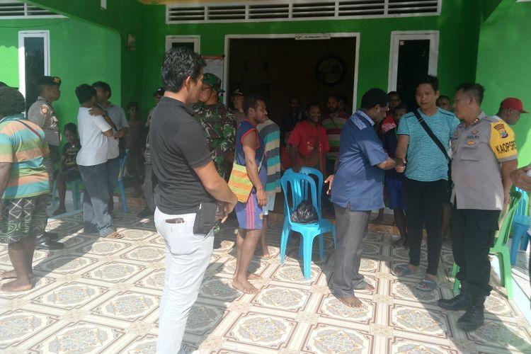 Penolakan masyarakat Kampung Mesap Meisi, Distrik Manokwari Selatan, Kabupaten Manokwari, terhadap pelaksanaan Pemungutan Suara Ulang (PSU), yang dilakukan oleh Komisi Pemilihan Umum (KPU), Manokwari, Sabtu (27/4/2019).