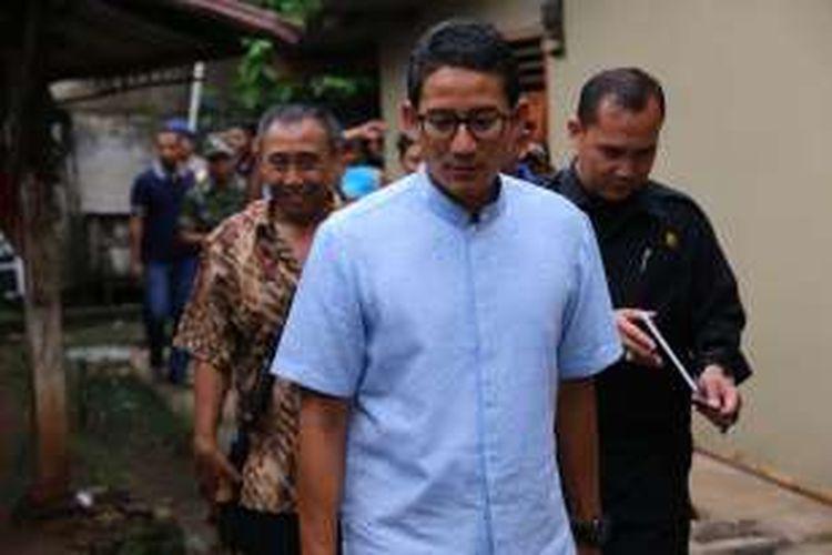 Calon wakil gubernur DKI Jakarta nomor urut 3, Sandiaga Uno, saat berkampanye di Petukangan, Jakarta Selatan, Senin (21/11/2016).  Kedatangan Sandiaga dalam rangka berdiskusi mengenai 23 program unggulan Anies-Sandiaga untuk Jakarta.