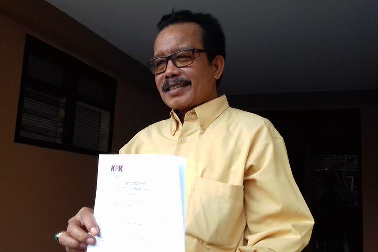 Pemilik CV Sawunggaling Moh Zaini Ilyas usai diperiksa sebagai saksi oleh penyidik KPK di Aula Bhayangkari Polres Malang pada Sabtu (13/10/2018)