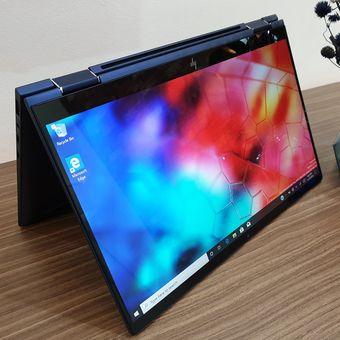 HP Elite Dragonfly 2 bisa berubah menjadi serupa tablet dengan cara menekuk layar.