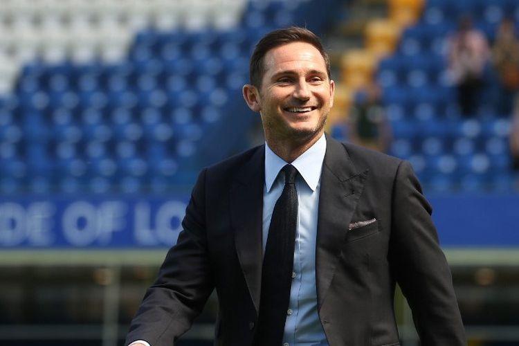 Frank Lampard resmi ditunjuk sebagai pelatih baru Chelsea dan diperkenalkan di Stamford Bridge pada 4 Juli 2019.