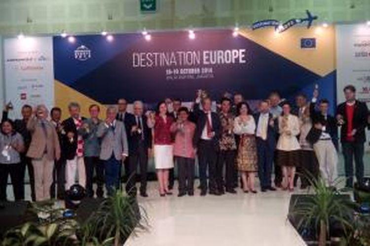 Pameran wisata dan budaya Destination Europe resmi dibuka oleh Duta Besar Uni Eropa Olof Skoog di Balai Kartini Convention Center, Jakarta, Sabtu (18/10/2014). Pameran berlangsung sampai Minggu (19/10/2014).