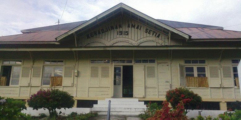 Rumah Kerajinan Amai Setia yang didirikan Rohana Kudus di Koto Gadang, Kabupaten Agam Provinsi Sumatera Barat.