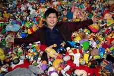 Pria Filipina Koleksi 20.000 Mainan dari Restoran Cepat Saji