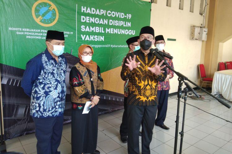 Gubernur Jawa Barat Ridwan Kamil saat menghadiri konferensi pers di Gedung Pusat Dakwah Islam, Kota Bandung, Rabu (14/10/2020).