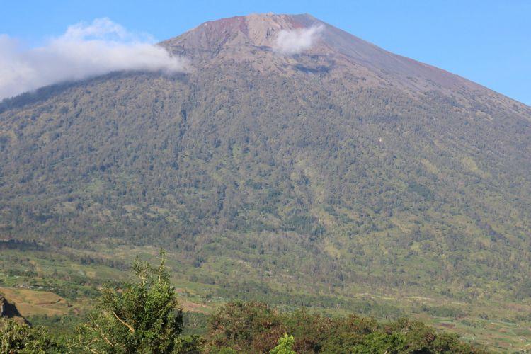 Gunung Rinjani, Lombok Timur, Nusa Tenggara Barat.