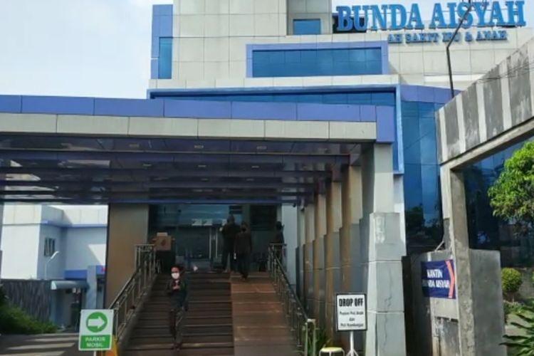 Rumah Sakit Ibu dan Anak Bunda Aisyah Kota Tasikmalaya langsung ditutup seusai tenaga medisnya diketahui terkonfirmasi Covid-19, Jumat (11/9/2020).