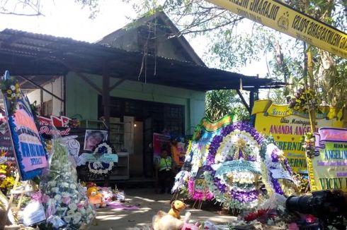 Rumah Angeline, Suara Anak Kecil Sesenggukan dan Karangan Bunga