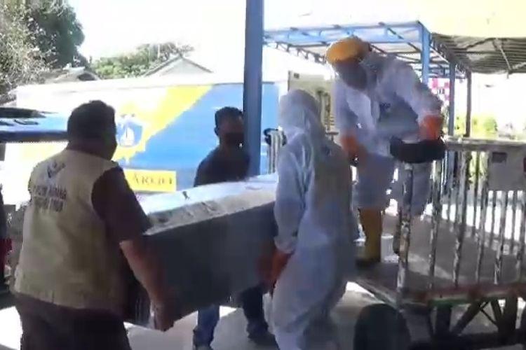 Jenazah TKI asal NTT tiba di Bandara El Tari Kupang