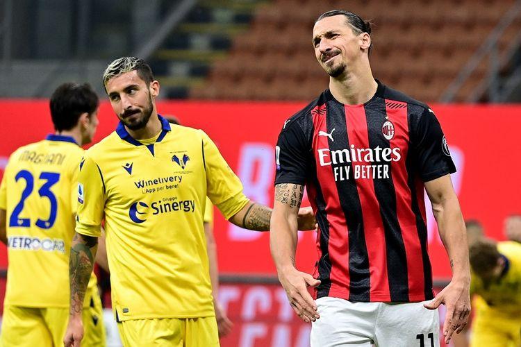 Penyerang AC Milan Zlatan Ibrahimovic bereaksi saat pertandingan sepak bola Serie A Italia AC Milan vs Hellas Verona di Stadion San Siro di Milan pada 8 November 2020.