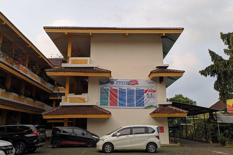 SMP N 103 Jakarta menjadi lokasi Posko PPDB Wilayah II Jakarta Timur