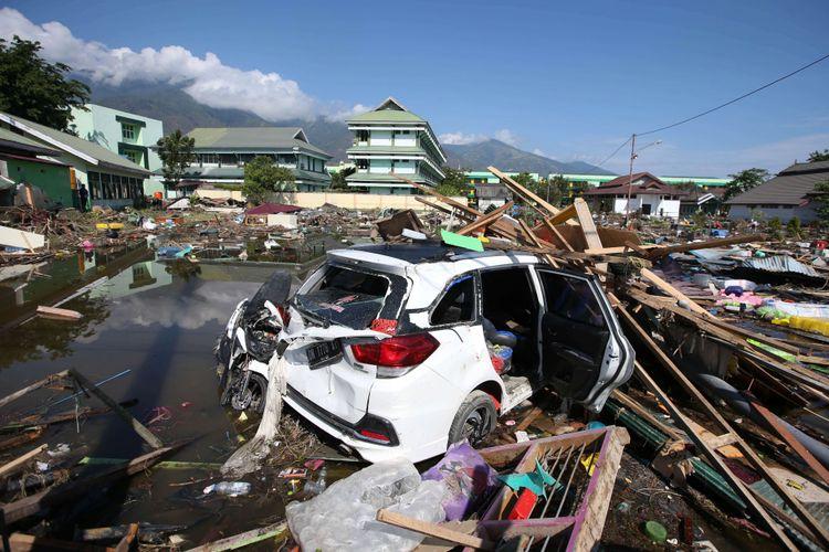 Kerusakan akibat gempa bumi yang melanda, Kota Palu, Sulawesi Tengah, Minggu (30/9/2018). Gempa bermagnitudo 7,4 mengakibatkan ribuan bangunan rusak dan sedikitnya 420 orang meninggal dunia.