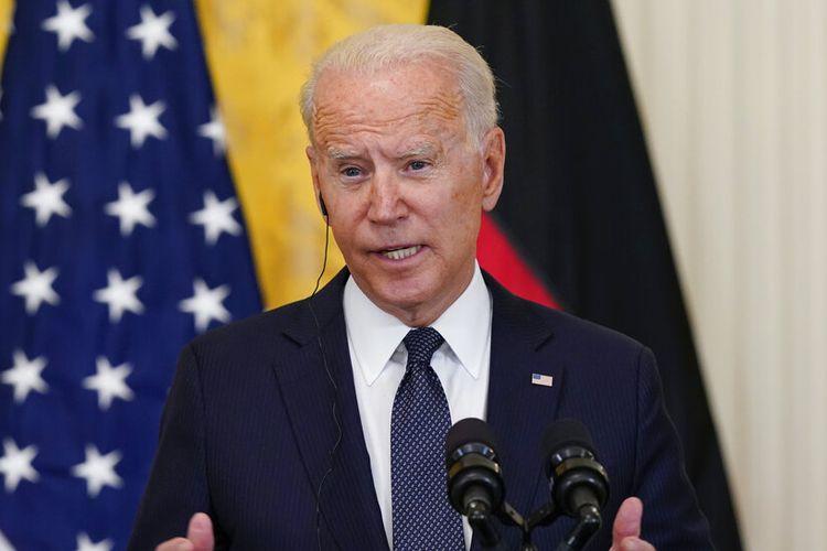 Presiden Joe Biden berbicara selama konferensi pers di Gedung Putih.