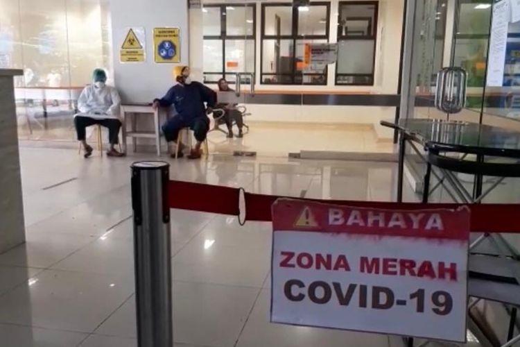 Ruang Covid-19 di Rumah Sakit Hasan Sadikin (RSHS) Bandung.