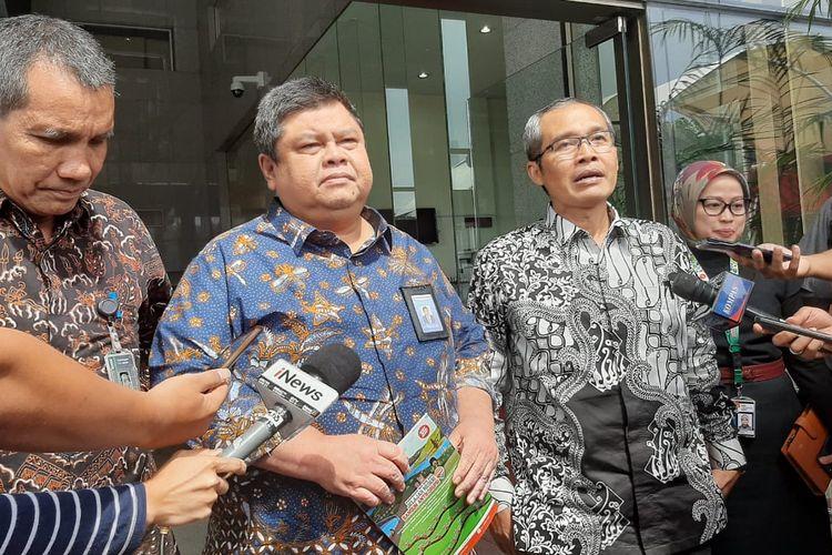 Wakil Ketua KPK Alexander Marwata dan Kepala BPKP Muhammad Yusuf Ateh di Gedung Merah Putih KPK, Kamis (20/2/2020).