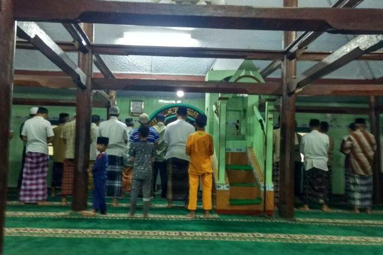Masjid Jami Baitul Muttaqin salah satu masjid kuno di Desa Trasan Kecamatan Bandongan Kabupaten Magelang memiliki tradisi Selikuran setiap Ramadhan, Selasa (5/6/2018).