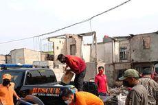 Dinsos Bagikan Makanan Siap Saji Selama Tiga Hari untuk Korban Kebakaran di Penjaringan