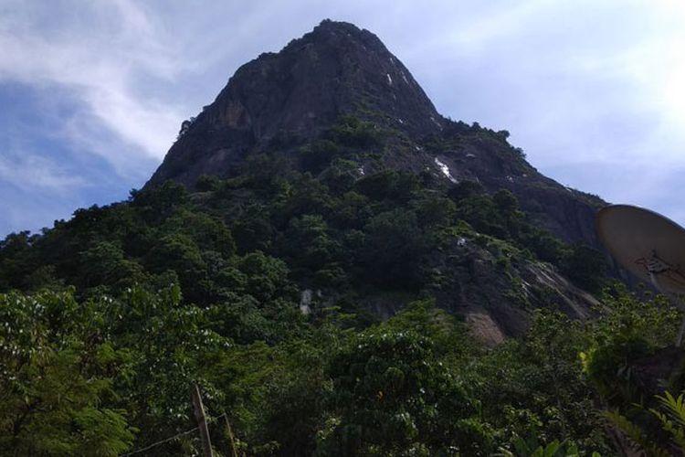 Gunung Parang di Purwakarta, Jawa Barat.