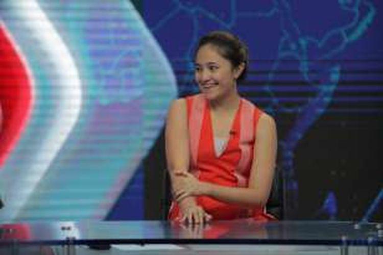 Artis Adriani Marshanda atau Marshanda dalam sesi wawancara di Kompas TV, Palmerah, Selasa (29/3/2016). Marshanda kembali menjadi sorotan setelah ayahnya, Irwan Yusuf, terjaring razia suku dinas sosial Jakarta Selatan.