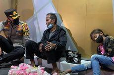 Kisah Ayah dan Anak Tertidur di Trotoar Saat Jual Kerupuk hingga Undang Empati Polisi