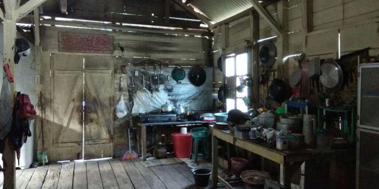 Masyarakat Bangka yang tinggal di rumah panggung limas biasanya adalah petani.