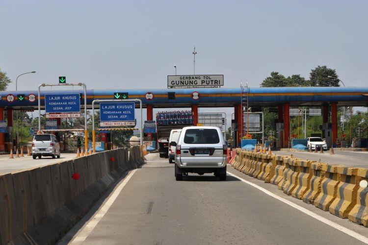 PT Jasamarga Tollroad Maintenance (JMTM) memulai perbaikan jembatan dan pekerjaan rekonstruksi perkerasan pada akses masuk Gunung Putri Ruas Tol Jagorawi mulai Minggu (27/9/2020) hingga Jumat (2/10/2020).